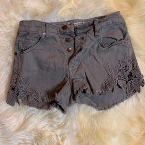 Women's High Rise Lace Shorts Size 8